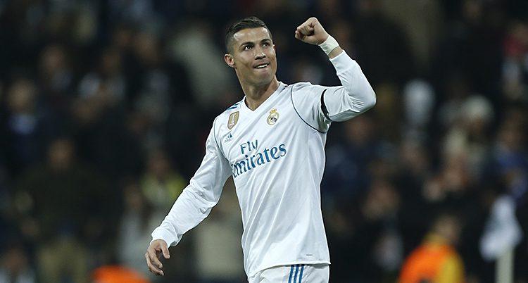 Ronaldo under en match. Han har gjort mål och knyter näven
