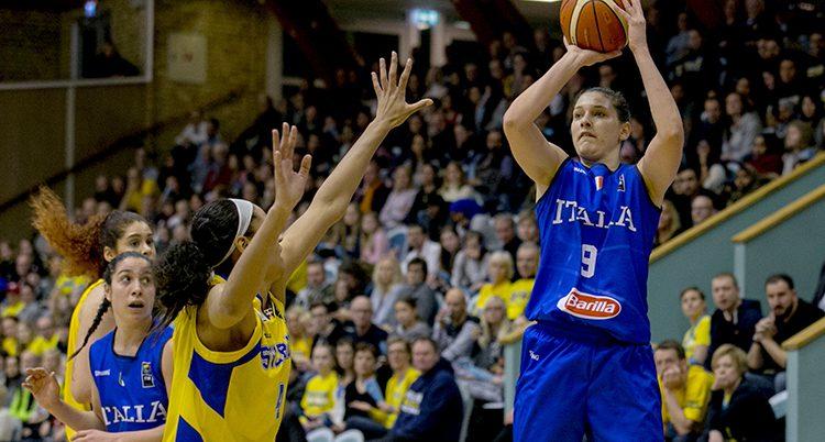 Italien vann i basket