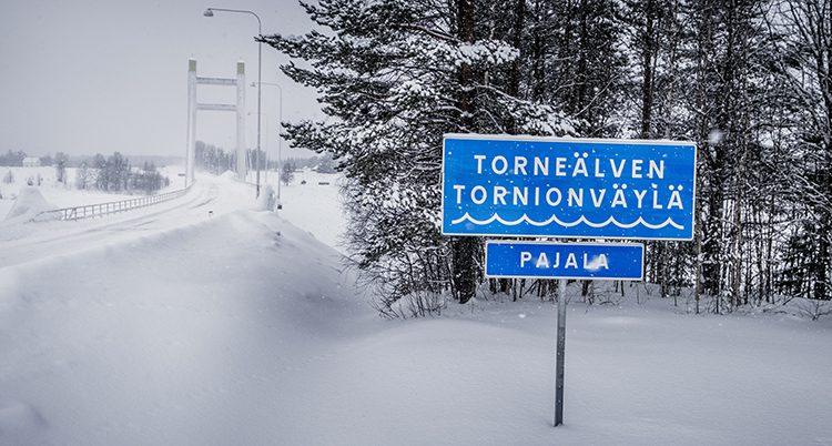 En vägskylt i Pajala.