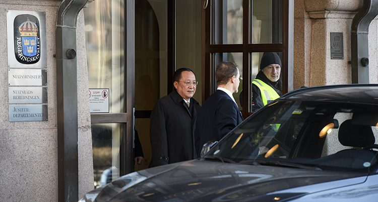 Nordkoreas utrikesminister vid Rosenbad.