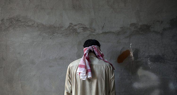 En IS-medlem som är fånge i Irak.