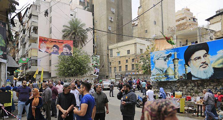 Bilder på Hizbollahs ledare syns på väggarna
