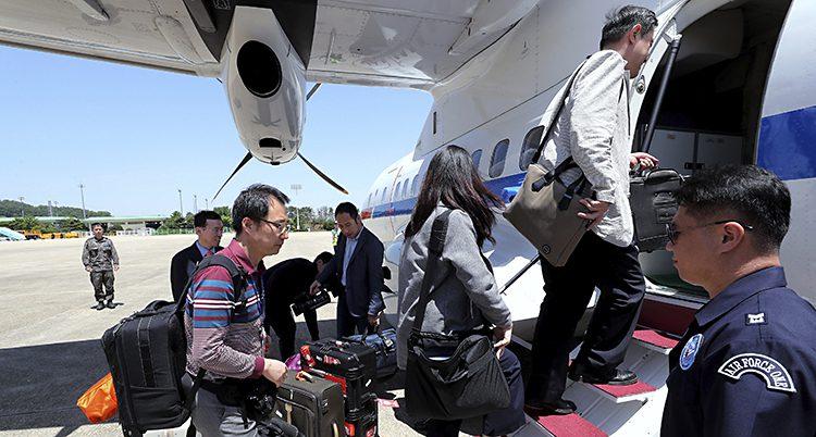 Utländska journalister på väg till Nordkorea