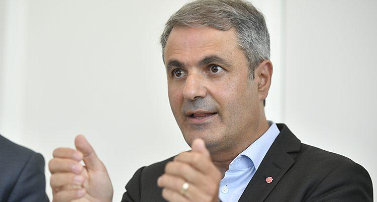 Minister Ibrahim Baylan.