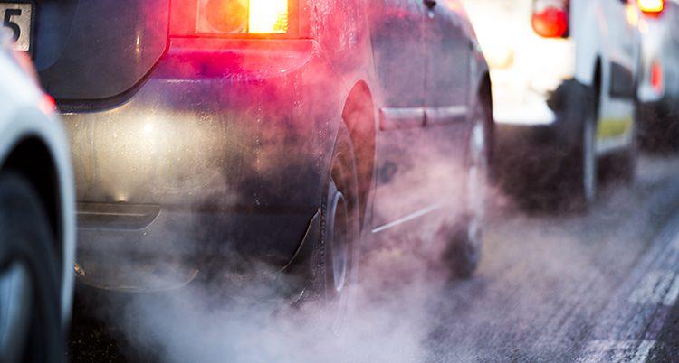Avgaser från en bil