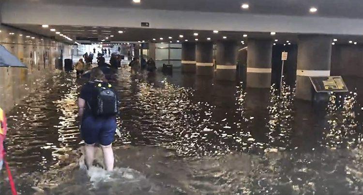 Översvämning vid tågstationen