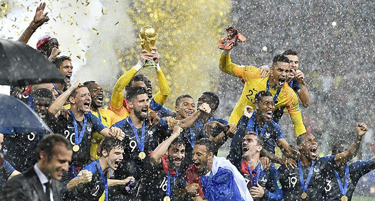 Frankrike spelare firar VM-guldet
