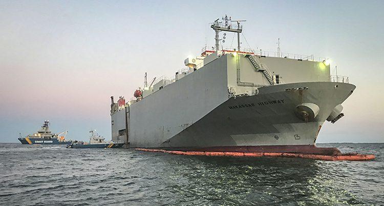 Fartyget läcker olja