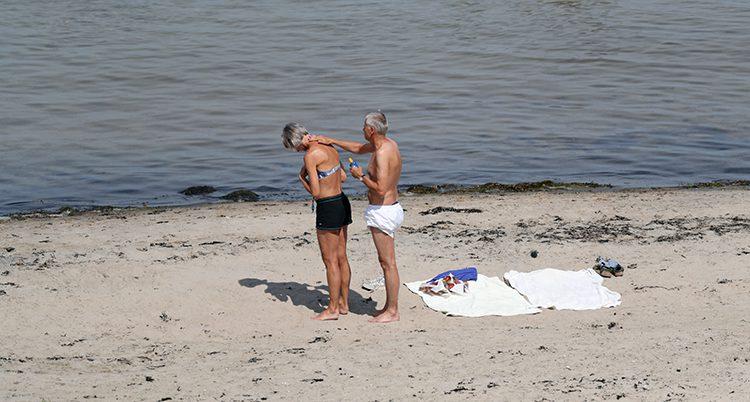Folk på stranden i Båstad
