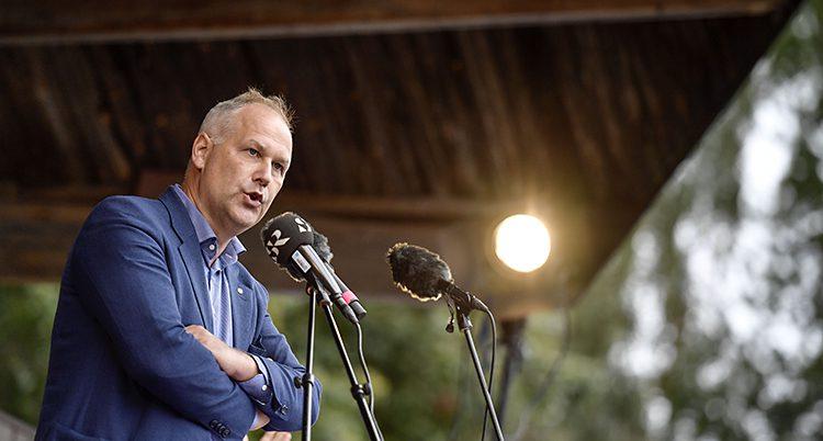 Vänsterpartiets ledare Jonas Sjösted