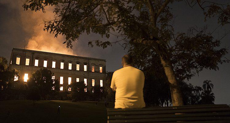 Museet brinner