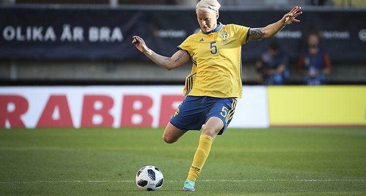Nilla Fischer i landslaget.