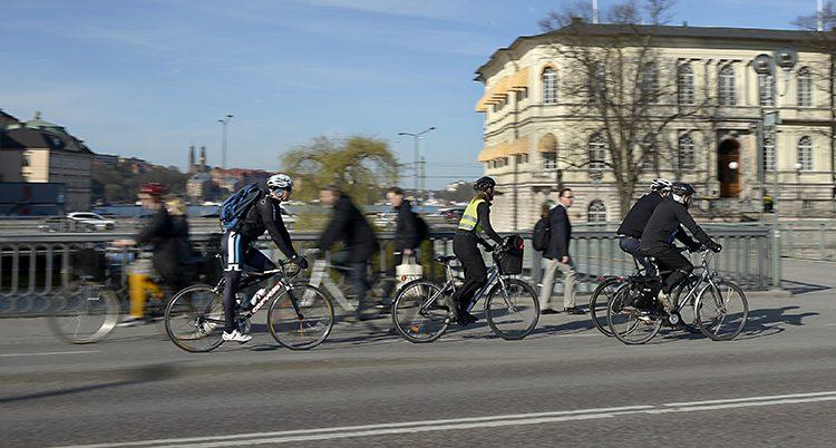 Cyklister och gående