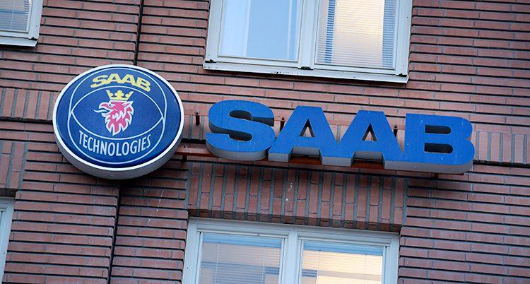 En bild på Saabs fasad.