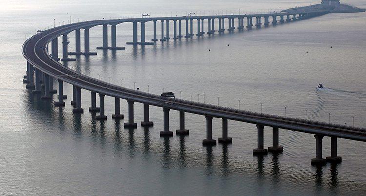 Den nya bron mellan Kina och Hongkong