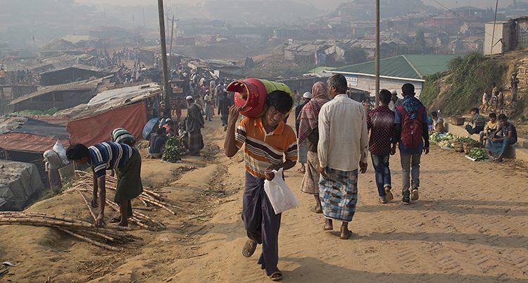 Rohingyer i ett läger i Bangladesh