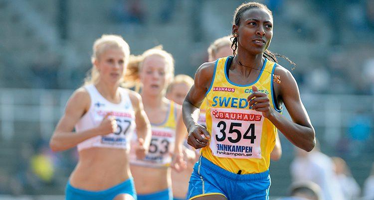 Abeba Aregawi i ett lopp.