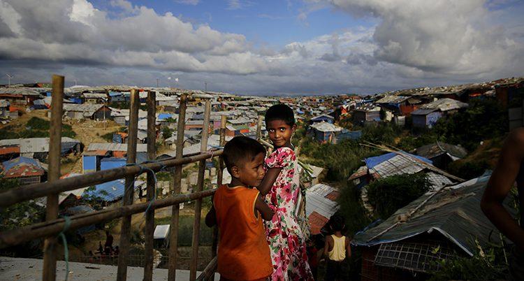 Barn i lägret i Bangladesh