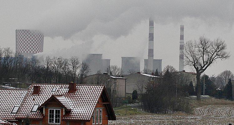 Rök från fabriker i Polen.