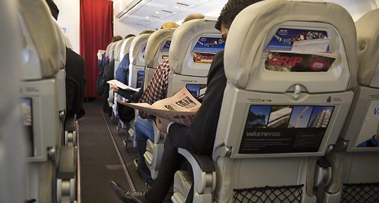 Ett flygplan på väg från Stockholm.