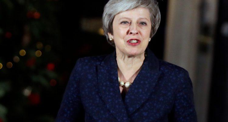 Storbritanniens ledare Theresa May pratar.