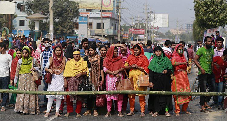 Strejkande arbetare i Bangladesh