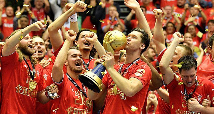 De danska spelarna firar VM-guldet