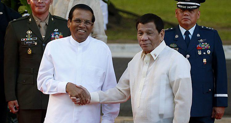 Sri Lankas president Sirisena tillsammans med Filippinernas ledare Duterte