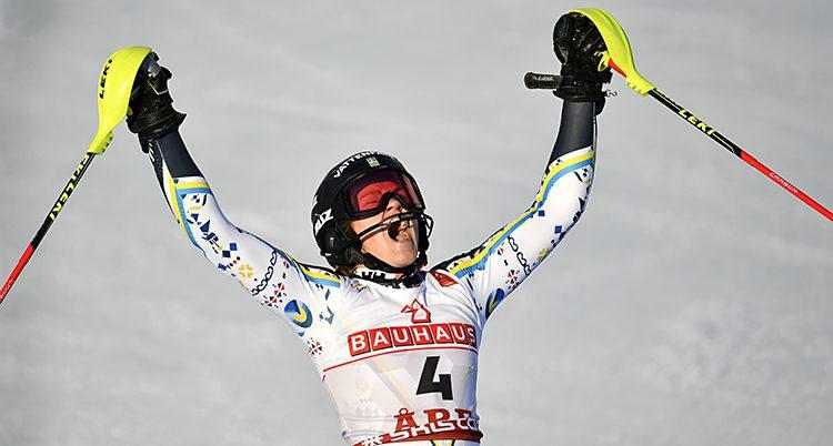 Anna Swenn-Larsson jublar
