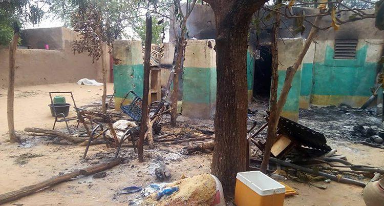 En av byarna efter attacken.