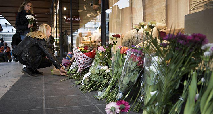 Blommor på Drottninggatan.