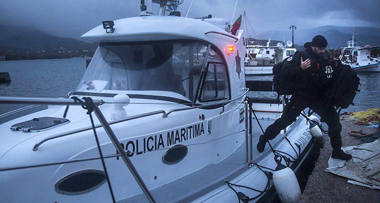 En polis som arbetar för Frontex