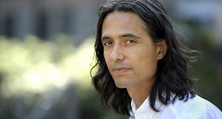 Författaren Jonas Hassen Khemiri