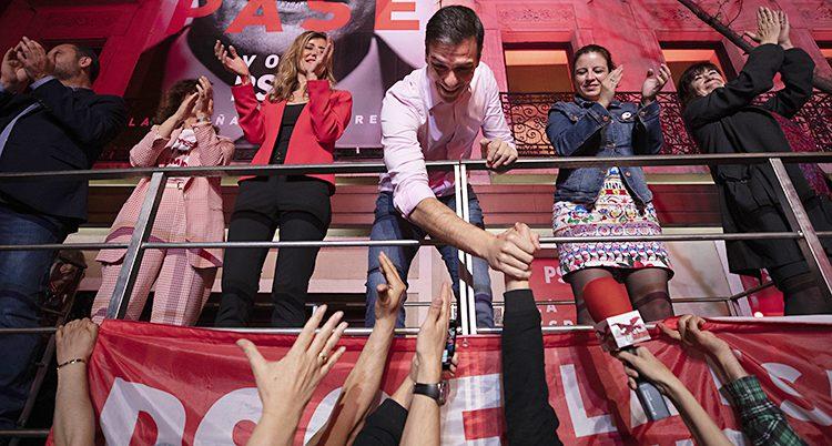 Pedro Sanchez firar segern i valet.