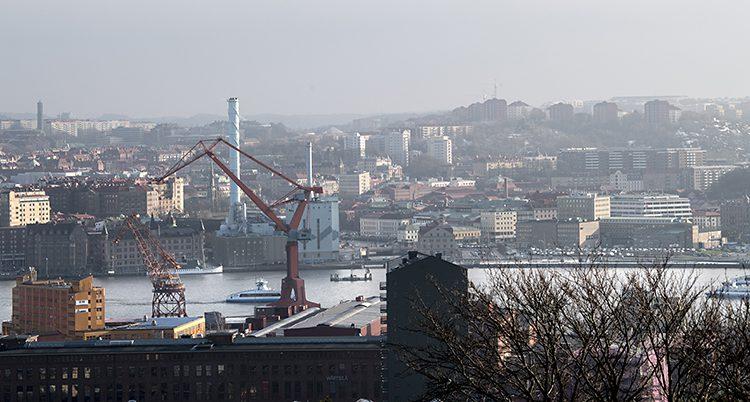 Bild över Göra älv med Hisingen på andra sidan.