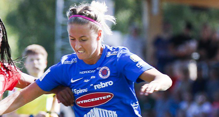 Närbild på kämpande Emma Kullberg.