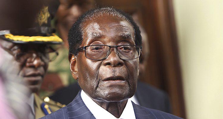 En närbild på Robert Mugabe.