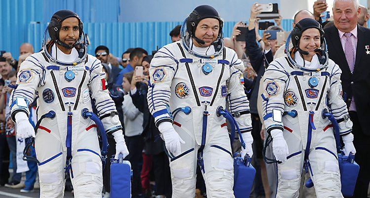 Jessica Meir och de två andra som åkte till rymden.