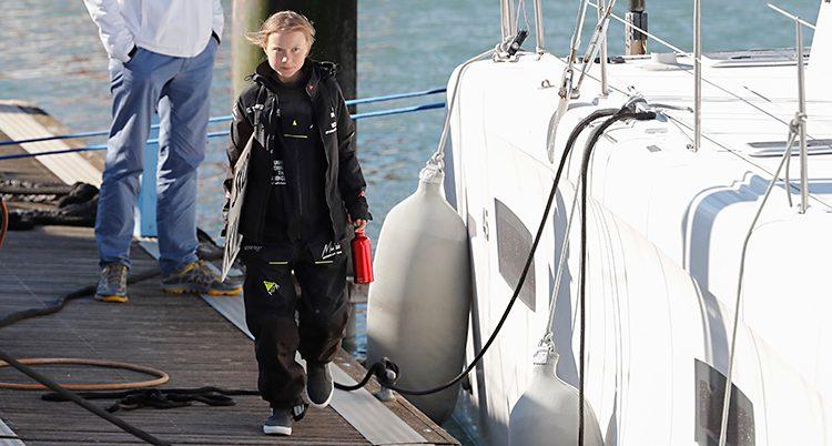 Greta Thunberg har precis klivit av båten.