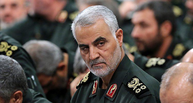 Ett porträtt på generalen i uniform.
