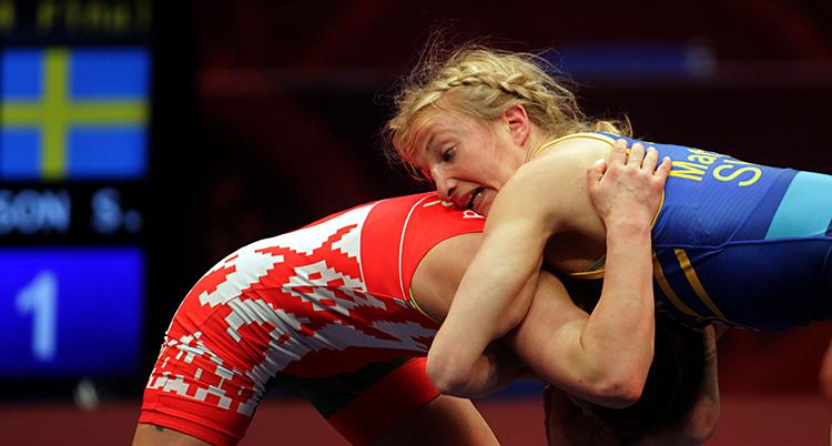 Sofia Mattsson i blått. Bilden är från en annan match.
