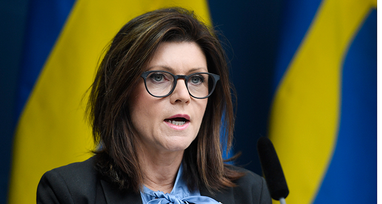 En bild på Sveriges arbetsmarknadsminister Eva Nordmark.