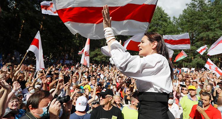 Svetlana Tikhanovskaja på valmöte i Belarus.