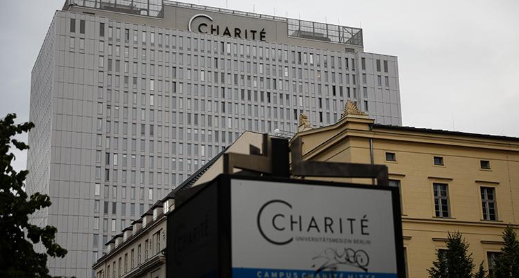 fasaden på sjukhuset där Navalnyj ligger.