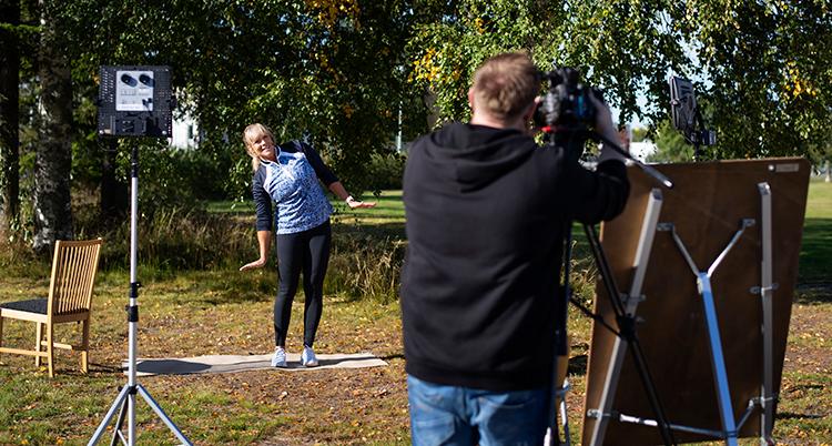 Sofia Åhman tränar och blir filmad.