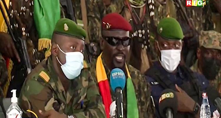 Bild på militärens ledare i Guinea Mamady Doumbouya.
